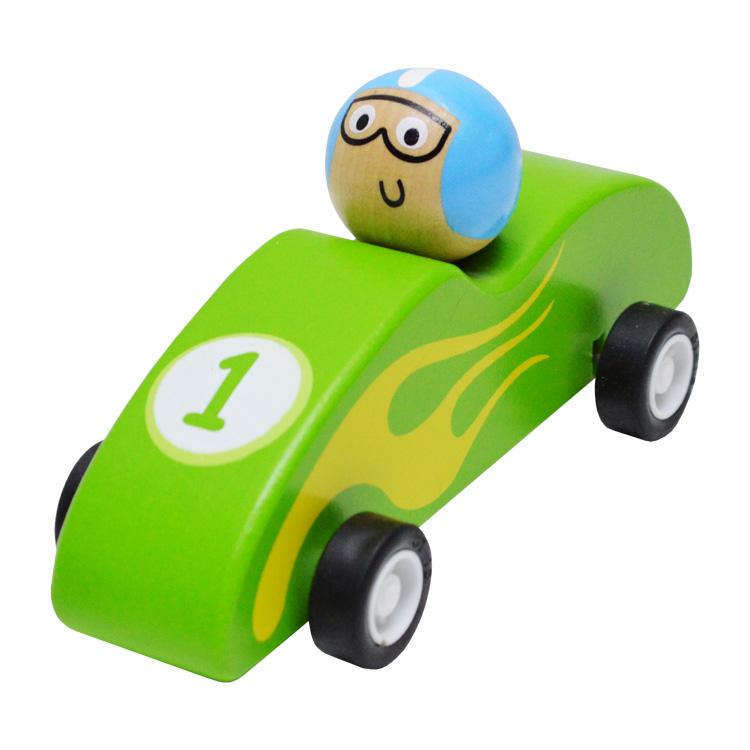 Lendkerekes versenyautó (zöld)